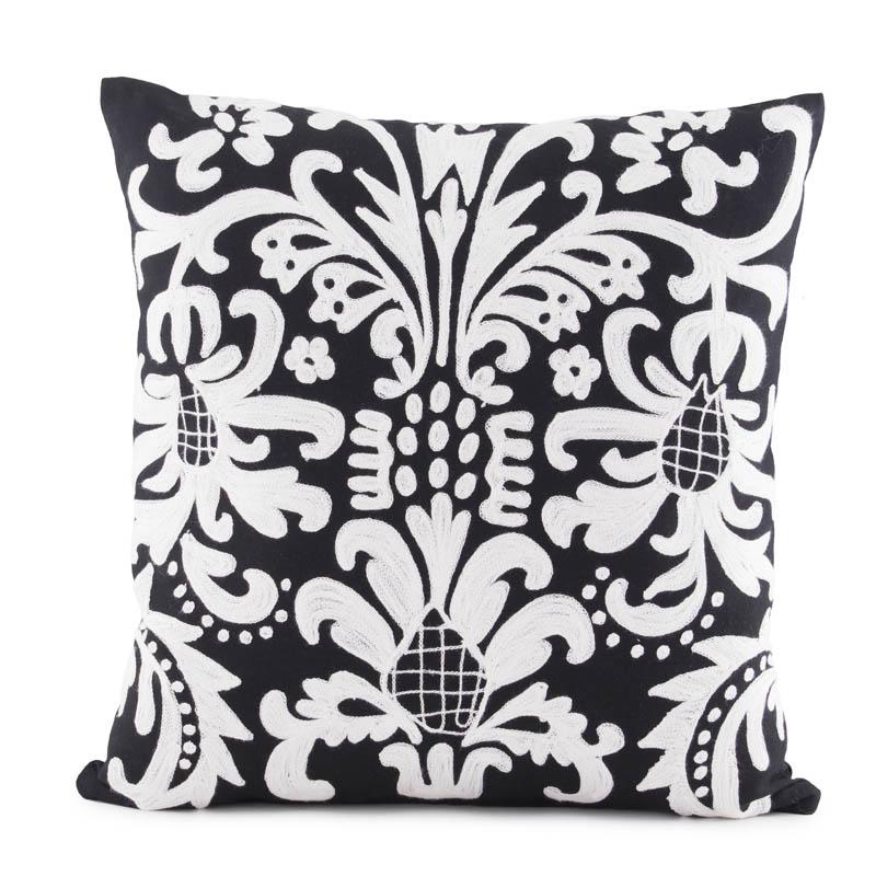 Perna decorativa broderie alb-negru, 45x45 cm